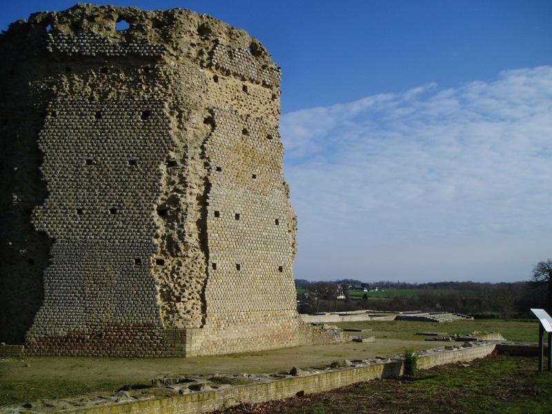 colonne romaine en pierre